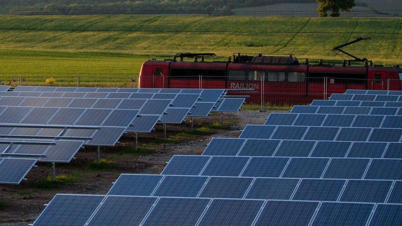 solar-cells-191691_1920